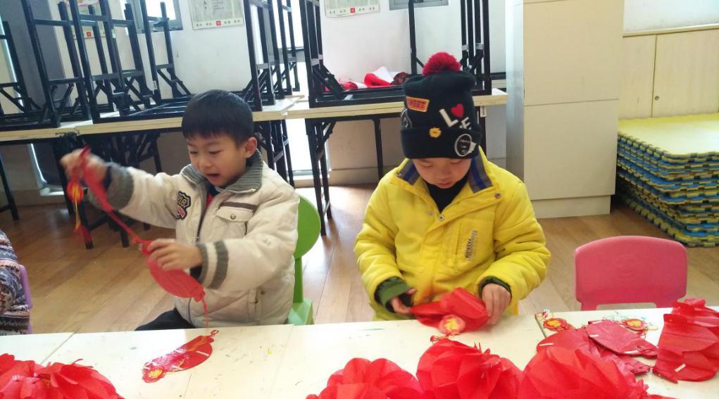 """""""巧手做灯笼,喜迎元宵节"""" 从孩子做起!"""