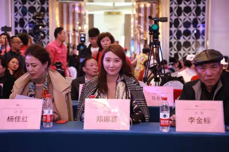 第二春首届T台风韵联谊会在上海静安区雅悦婚展中心成功举办