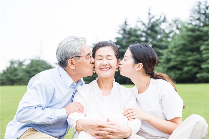 纽瑞优中老年乳铁蛋白营养粉:身体健康是对儿女的最大分担