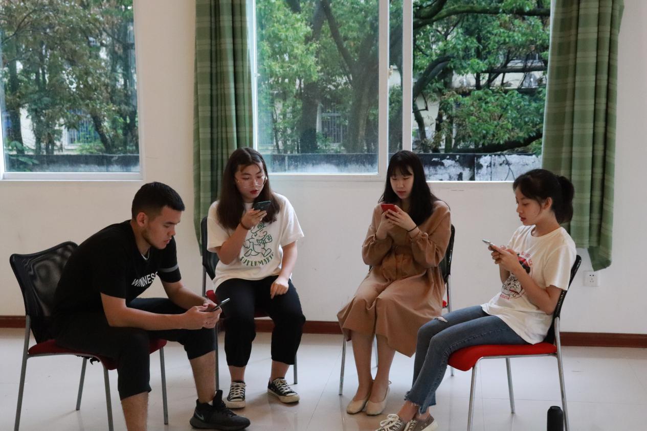 纪念新中国成立70周年及五四运动100周年 福大学子自制原创歌曲奏青春华章