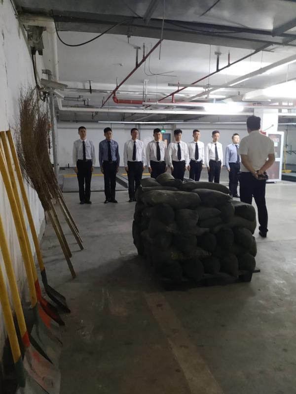 开展防汛演练 筑牢安全防线