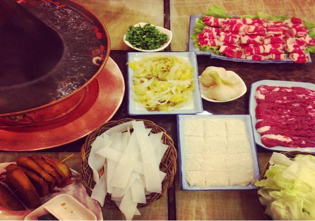 北京火锅配菜吃什么?可能是你想不到的简单-匹夫火锅