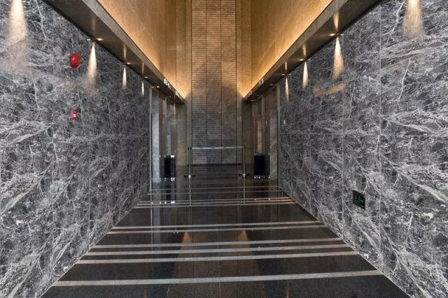 """大理石瓷砖的""""五彩斑斓的灰"""",是什么颜色-北京凯正博腾石材"""