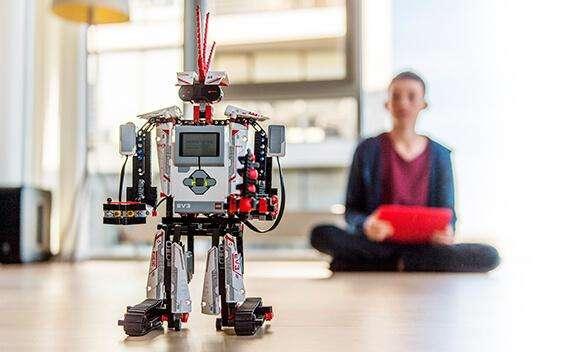 机器人教育就是把机器人当玩具吗