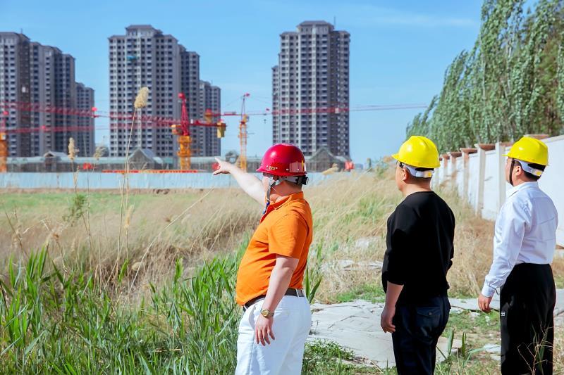 香港地产中心(集团)有限公司王坦做好一线领导成就一流企业