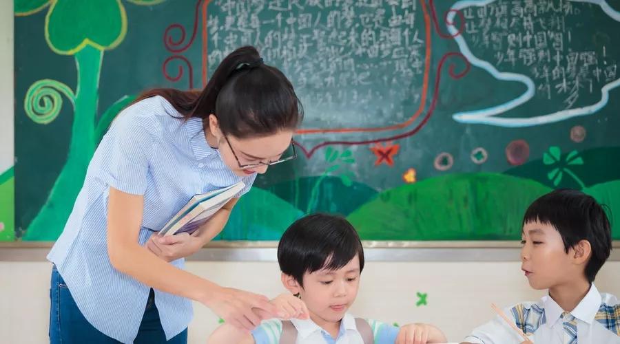 为什么给了高工资却依旧留不住好老师?
